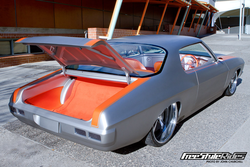 keves_holden_hq_monaro_marilyn_large_04