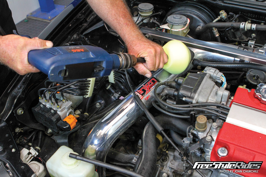 09-meguiars-to-clean-honda-integra-dc2-type-r-b18c-engine-bay