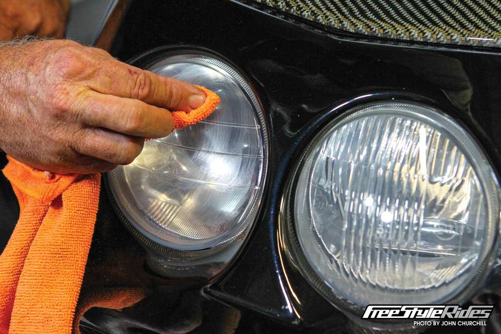19-meguiars-headlight-protectant-to-revive-your-car-headlights