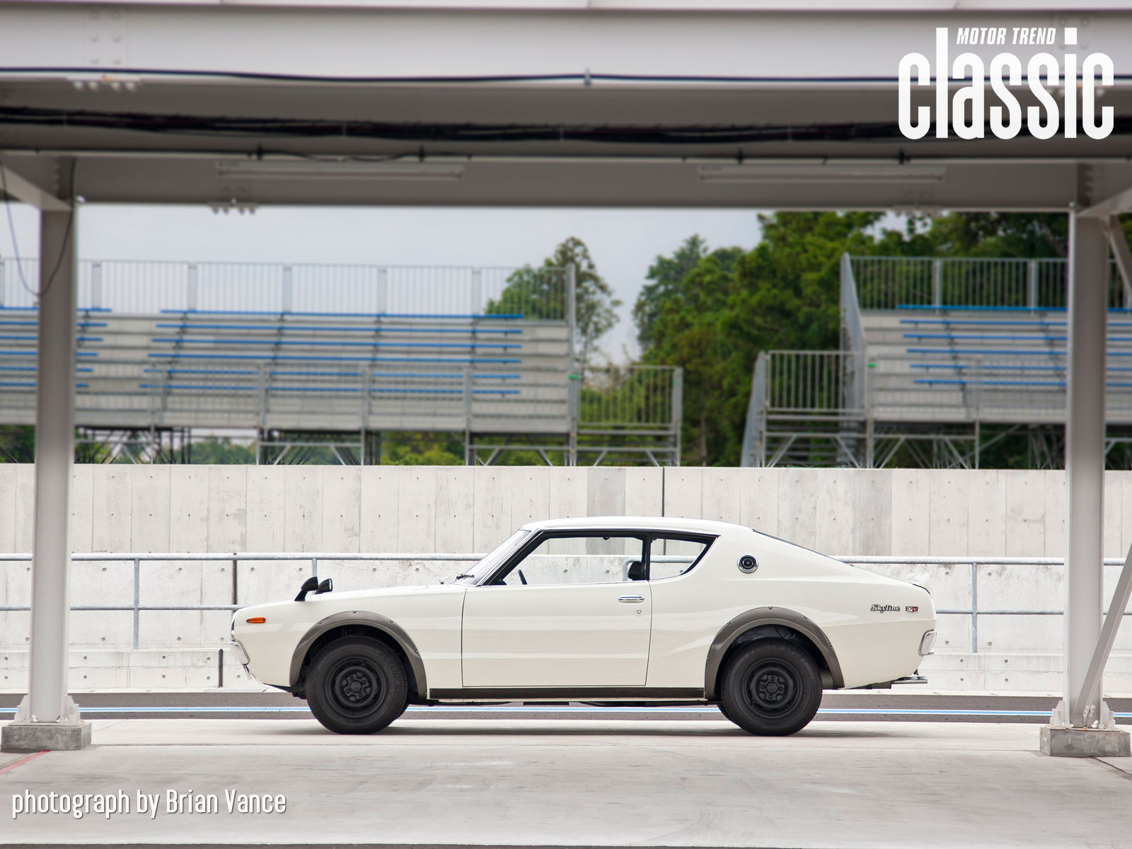 1973-skyline-ht-2000gt-r-side