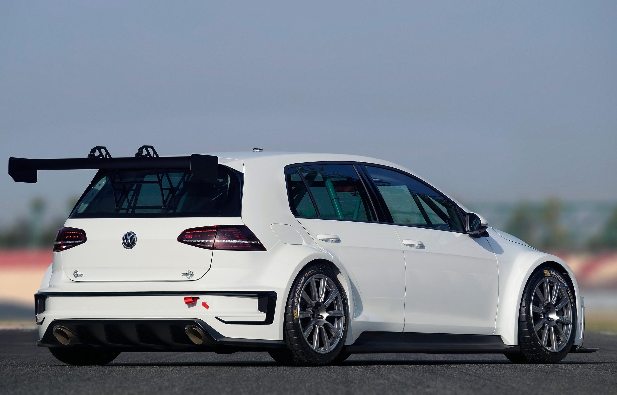 VW-Golf-Racing-02
