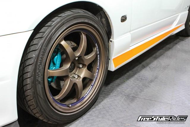 02-spray-wrap-your-wheels